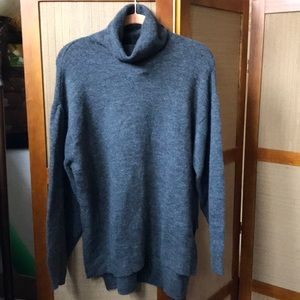 NWT H&M GRAY TURTLE NECK SWEATER SIZE M